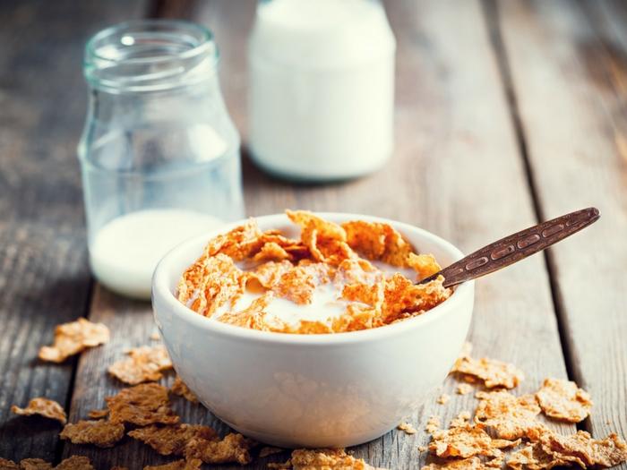 Estos 11 alimentos te están quitando el sueño
