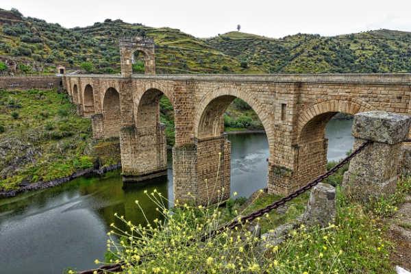 Puente romano de Alcántar
