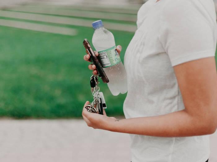 Consejos para evitar la insolación: beber agua