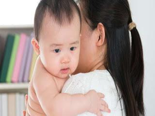 Cómo quitar el hipo en los bebés
