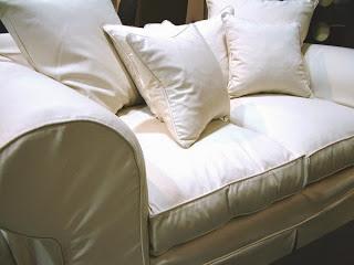 Dejar que los bebés duerman en el sofá puede ser peligroso