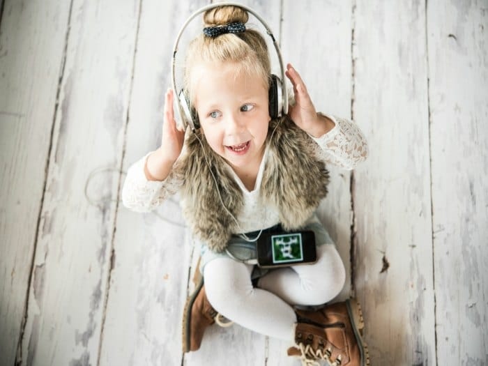 El uso incorrecto de auriculares puede provocar problemas de audición