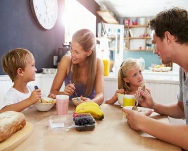 ¿Qué alimentos deberían comer los niños todos los días?