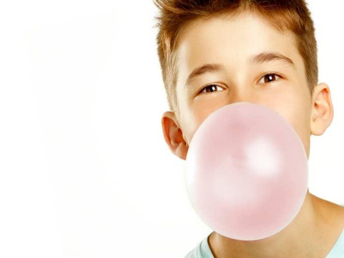 Problemas de salud por masticar chicle